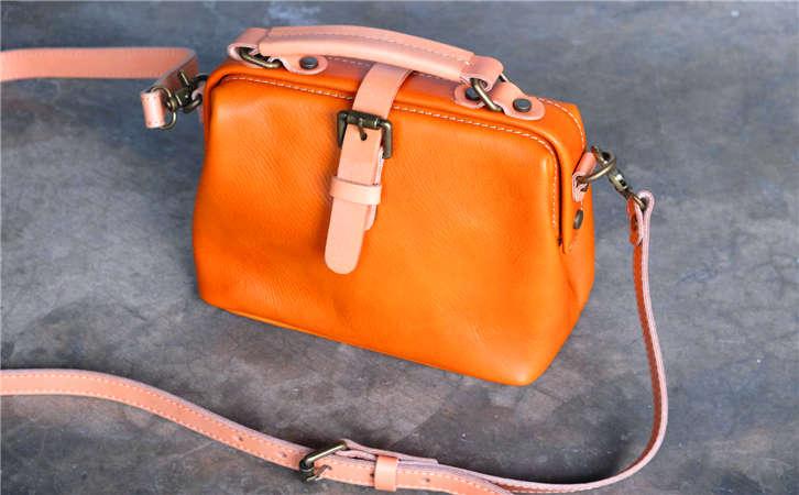 说下好货便宜名牌高档箱包的拿货价位,广州女士包包批发市场