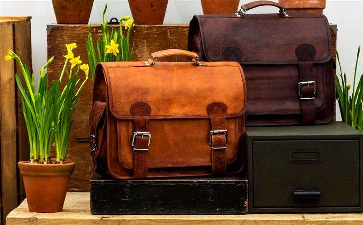 高品质款式多样化的奢侈品箱包便宜尾单版工厂,箱包批发市场