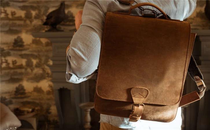箱包订做教箱包选购看的是什么,五金吊钟是什么