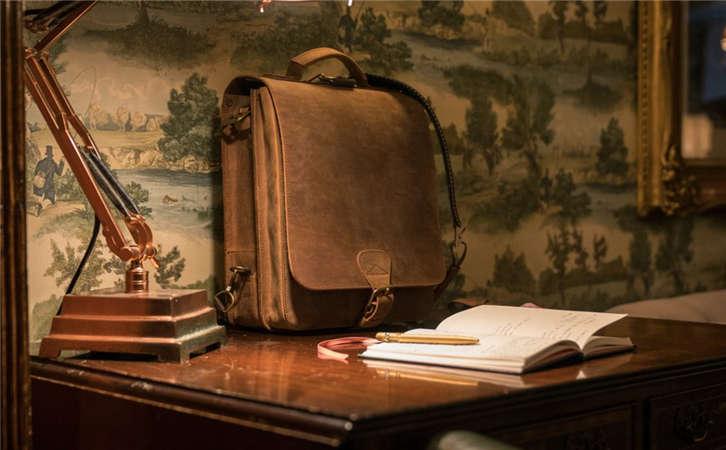 高档皮带的原料种类一般分为三大类,高价购物袋