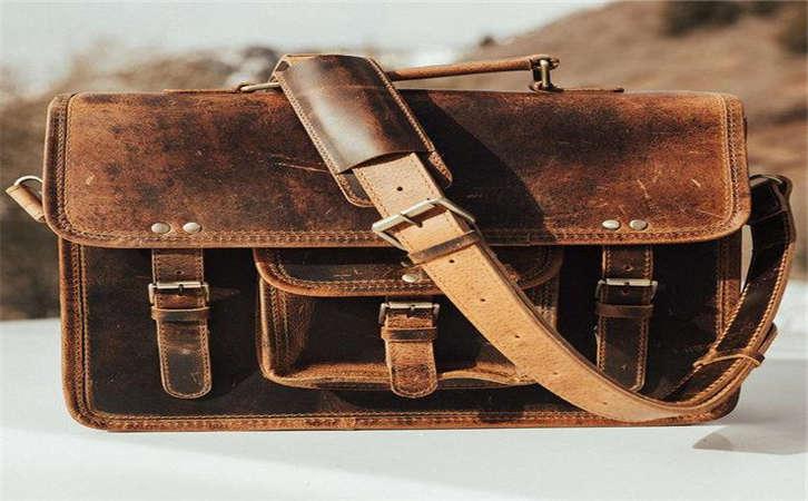 广州手袋厂教你如何对布包的清洁与保养,如何给包包的五金保养