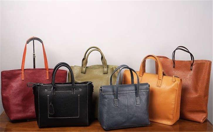 广州手袋厂交给你一些清洁保养手袋的小绝招,包包高级保养手段