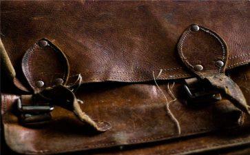 包包如何进行日常护理,包包有五金应该怎么去保养