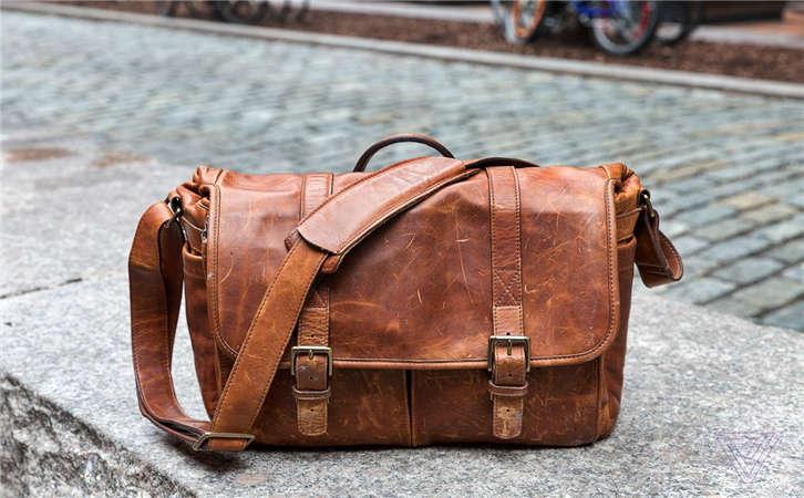 手提包使用注意事项,网上购买包包的注意事项