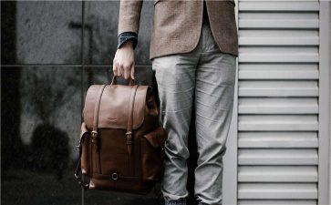 手袋厂常见的两种合作方式,女士包包的日常护理