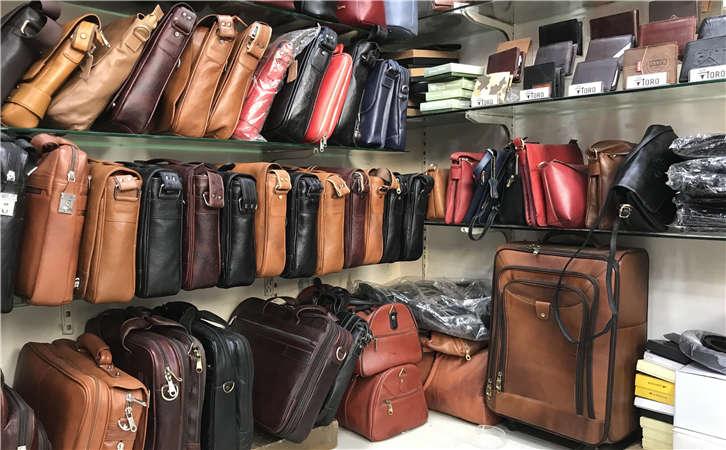 揭晓下国内外最大的名牌箱包批发货源市场地址,哪有批发包包