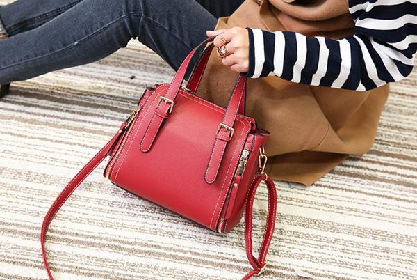 海外lv时尚女士包包批发一手货源,海外潮品男女包包一手货源